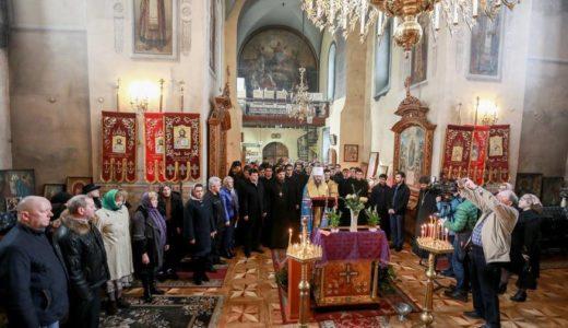 У нашому храмі розпочалося читання неусипного Псалтиря з молитвою за мир в Україні (+ВІДЕО)